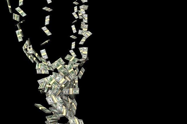 pád peněz
