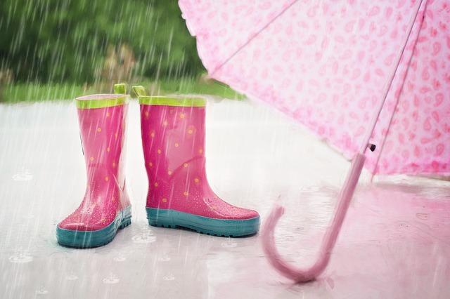 deštník a gumáky
